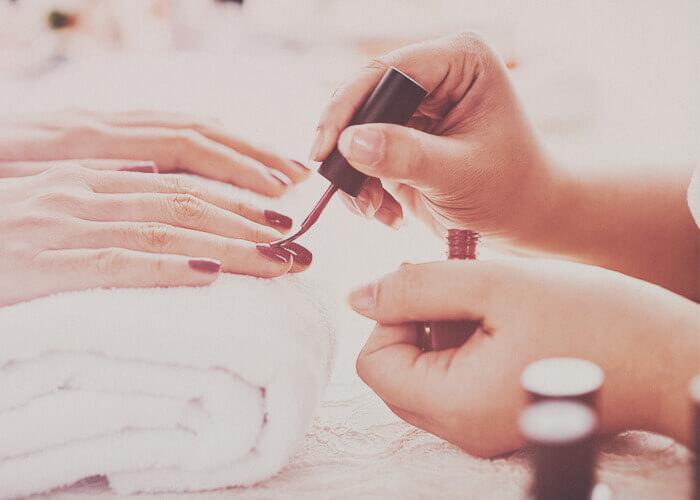 manicure-donna